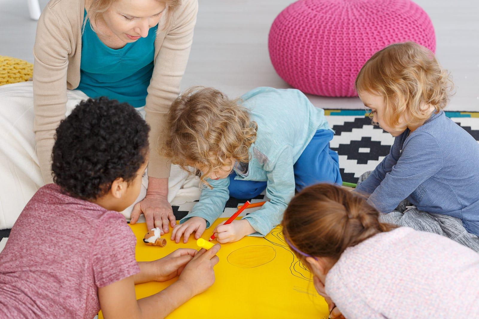 Jugend- und Heimerzieher (Ausbildung oder Schulfremdenprüfung) ist eine soziale Tätigkeit mit jungen Menschen